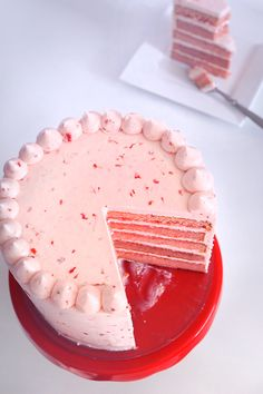 Triple Strawberry Cake with Strawberry Cream Cheese Frosting. This cake is made with all real strawberries! No artificial flavors NO added J-Ello. The post Triple Strawberry Cake (REAL strawberry) appeared first on Dessert Park. Strawberry Cakes, Strawberry Recipes, Strawberry Cake Decorations, Strawberry Cake From Scratch, Strawberry Birthday Cake, Homemade Strawberry Cake, Frosting Recipes, Dessert Recipes, Strawberry Simple Syrup