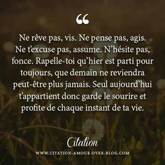 im having a hard time to breath, reading hier est parti pour toujours. Words Quotes, Life Quotes, Sayings, Positive Attitude, Positive Thoughts, Vie Positive, Quote Citation, French Quotes, Some Words