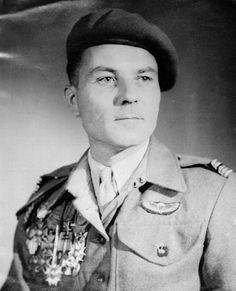Jacques Pâris de la Bollardière, officier à la 13ème DBLE à Narvick