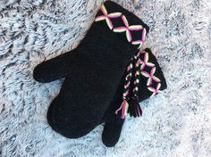 Mittens Swedish Lovikka embroidery scandinavian felted