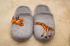 """Купить Валяные тапочки """"Мадагаскар"""" - серый, оригинальный подарок, Тапочки ручной работы, тапочки из шерсти"""