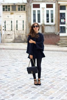 8b30295706 OUTFIT  Blue Oversized Knit Pointy Black Heels and Vintage Chanel