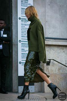 Hailey Baldwin by STYLEDUMONDE Street Style Fashion Photography