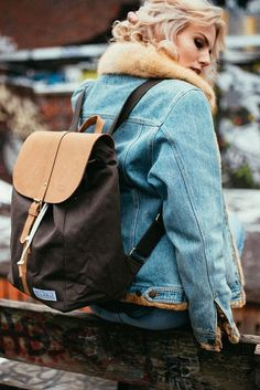urban adventure   start your own adventure   streetwear   backpack   SOLSTICE big grey   Fitz & Huxley   www.fitzandhuxley.com