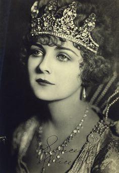 Alice Terry 1920's silent film star - beautiful jewels