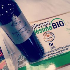 Lauzina en or - http://www.beauregard-mirouze.com/blogs/lauzina-en-or/  En direct du salon #MillesimeBio à #Montpellier: un Lauzina rouge qui s »exhibe fièrement avec sa médaille d'or ! #VinBio #beauregardmirouze