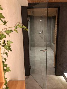 bathroom tile grey, Factory wall, wooden ceiling bathroom, glass door in bathroom, modern bathroom ideas, lasiovi, suihkutila, harmaa Factory laatta, Pukkila
