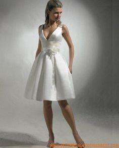 Satin V-Neckline A-Line Wedding Dress with Tea-Length Skirt - Bridal Gowns - RainingBlossoms Mini Wedding Dresses, Informal Wedding Dresses, Tea Length Wedding Dress, Cheap Wedding Dress, Bridal Dresses, Wedding Gowns, Bridesmaid Dresses, Civil Wedding, Bridesmaids