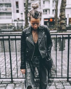 Streetstyle via ️️️. Rock Outfits, Chic Outfits, Fall Outfits, Fashion Outfits, Girly Outfits, Tomboy Fashion, Boho Fashion, Fashion Looks, Fashion Details