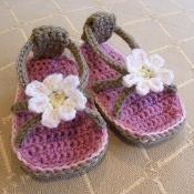 Daisy Baby Flip Flops - via @Craftsy