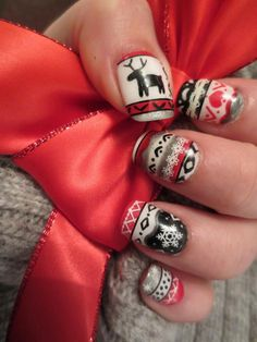 Top 51 Most Beautiful Christmas Nail Art Ideas For You To TryIt's Christmas in just 25 days! We believe you must have decided on the Christmas party theme by now. The dress and the dress would be ready as well. But what about the nails? Are you thinking of going for