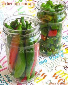 Ardei iuti murati ~ Culorile din farfurie Canning Pickles, Romanian Food, Hungarian Recipes, Winter Food, Cucumber, Good Food, Keto, Cooking Recipes, Tasty