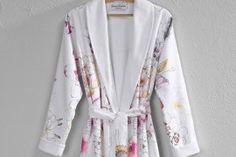 Mirasol Woman's Robe Dessin satijn Mirasol /badstof dreamflor wit Maat : S,M,L,XL Bathrobe made by Christian Fischbacher info@theobot.nl