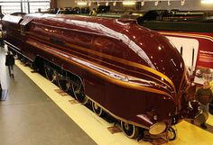 Category:LMS Princess Coronation Class 6229 Duchess of Hamilton (streamlined) at the National Railway Museum Train Posters, National Railway Museum, Steam Railway, Art Deco, Old Trains, Vintage Trains, Train Art, Train Pictures, Train Engines