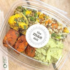 My favourite kind of lunch from The Mae Deli! I'm addicted to these sweet potato falafels with the creamy avocado dip. Come on in and give them a try!