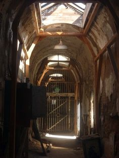 "Discover Eastern State Penitentiary in Philadelphia, Pennsylvania: World's first ""penitentiary,"" meant to be humane, drove men insane. Eastern State Penitentiary, Old Abandoned Buildings, Abandoned Hospital, Good Times, Prison, World, Places, Philadelphia Pa, Life"