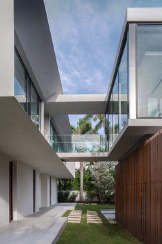Residência Fendi l Arquitetos: rGlobe. Miami Beach, FL, EUA Área: 746m2. Ano: 2013 Fotografias: Emilio Collavino