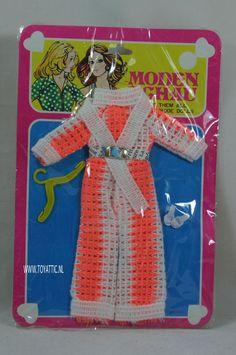 Barbie sized fashion Moden Schau clone fashion orange/white knitted suit NRFB #modenschau