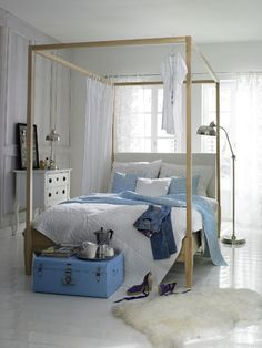 beach cottage inspired bedroom, light and airy