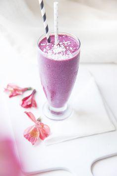 kookos-marjasmoothie /maidoton, sokeriton, dluteeniton, hedelmätön.