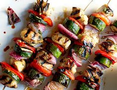 Shish kebobs with Cuban Flavor: Mojo-Marinated Chicken and Vegetable Kebabs Grilled Vegetable Sandwich, Vegetable Kebabs, Grilled Vegetables, Chicken And Vegetables, Fresh Vegetables, Moroccan Vegetables, Vegetable Dishes, Kebab Recipes, Ww Recipes