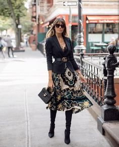 Mode & Pop Art – Women's fashion – Moda Mode Outfits, Fall Outfits, Fashion Outfits, Fashion Trends, Blazer Fashion, Fashion Skirts, Fashion Styles, Fashion Boots, Fashion Ideas