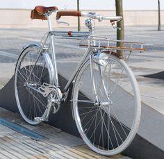 Chrome Porteur 1 (by Detail Creative Industries Inc) Velo Retro, Velo Vintage, Retro Bicycle, Vintage Bicycles, Retro Bikes, Velo Design, Bicycle Design, Velo Cargo, Urban Bike