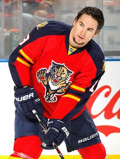 Hell to the Yes loved him as a flyers and still love him Scottie Upshall, Florida Panthers