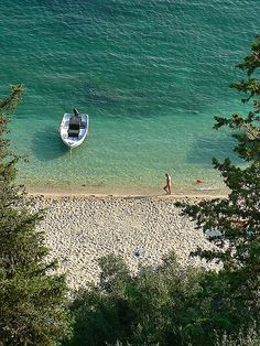 Valtos beach, Parga, Greece (by Ioannis Bahatouris)