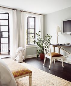 9 Decor 'Trends' That'll Never Go Out Of Style (PHOTOS)  linen drapes