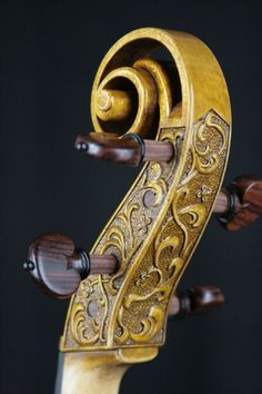 Beautifully carved Baroque viola scroll