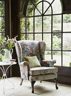 Comfortable and stylish! #ParkerKnoll  The synonymous Parker Knoll Penshurst Chair in Sanderson's Tournier