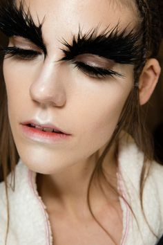 The Best Beauty Looks at Fashion Week F/W 2014 | Crazy brows at Alexander McQueen