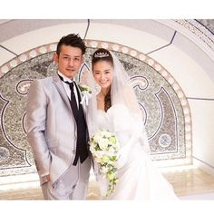 AneCan専属モデルの葛岡 碧が1月14日、Instagramにウエディングドレスに身をまとった結婚式の写真を投稿。 昨年12月に、仙台のチャペルで親族や親しい参列者のみで、挙式を行ったことを明らかにしている。 My Wedding 2015.December SENDAI #midorikuzu...