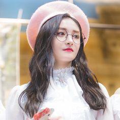 """(@gwiyomixiyeon) trên Instagram: """"Kyulkyung is always effortlessly beautiful ❤️ - Admin Pinkwoo #JooKyulkyung #Kyulkyung #Pinky…"""""""