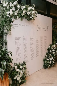 Seating Chart Wedding Template, Seating Charts, Wedding Welcome Signs, Wedding Details, Classy Wedding Ideas, Timeless Wedding, Wedding Trends, Elegant Wedding, Wedding Planning