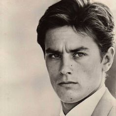 """wehadfacesthen: """" Alain Delon in Borsalino, Couldn't you just die? """" Alain Delon as 'Roch Siffredi' - 1970 - Borsalino - Directed by Jacques Deray Hollywood Stars, Classic Hollywood, Old Hollywood, Too Faced, High Society, Famous Faces, Belle Photo, Gorgeous Men"""