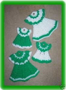 crochet dress potholders... sweet
