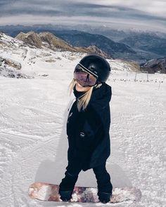 Winter in the Adirondacks – Enjoy the Great Outdoors! Burton Snowboards, Photo Ski, Art Surf, Snowboarding Style, Snowboarding Women, Snowboard Girl, Snow Outfit, Ski Season, Ski Fashion
