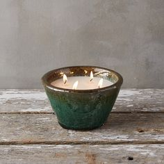 Scented with ripe citrus and blossoming florals, this citronella candle keeps bugs at bay with a blend of soy wax and all-natural citronella oil. Each