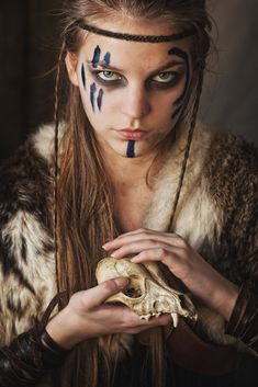 "Find and save images from the ""pagan/celtic/medieval"" collection by fadaria on We Heart It, your everyday app to get lost in what you love. Cosplay Costume, Costume Makeup, Makeup Inspiration, Character Inspiration, Character Ideas, Makeup Ideas, Makeup Art, Viking Face Paint, Viking Makeup"