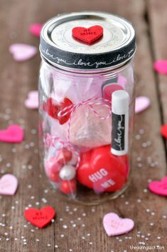 This Valentine& Day Mason Jar is full of pampering spa items and sweet treats. Make a gift in a jar for your wife, girlfriends, teachers or your mom! Pot Mason Diy, Mason Jars, Mason Jar Gifts, Gift Jars, Valentines Bricolage, Valentine Day Crafts, Saint Valentin Diy, Spa Items, Diy Gifts For Boyfriend