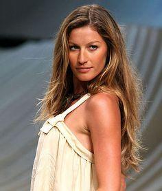 Top 10 Celebrities Who Use Virgin Coconut Oil