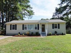 SOLD! 436 Sharp St, Virginia Beach, VA 23452 | Listed for $209,900 | 3 bedrooms | 2 baths | 1,152 sq. ft. | You will love this completely remodeled home located on Nicholson Creek. Open floorplan with wood laminate floors, Quartz counters and stainless appliances. Two full remodeled baths. Updated lighting. Kayak, canoe or paddle board out to the Lynnhaven River from your backyard. Excellent schools. Listed by Stephanie Clark RE/MAX Alliance.