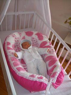 Hnízdečko, pelíšek , mantinel pro naše miminka. Z jedné strany plátno z druhé strany hřejivý mikroflanel