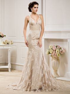 Trumpet/Mermaid Plus Sizes Wedding Dress - Champagne Court Train Straps Lace/Chiffon - USD $249.99