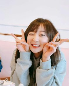 Shared by aimi 愛美. Find images and videos about kpop, exid and hani on We Heart It - the app to get lost in what you love. South Korean Girls, Korean Girl Groups, Familia Uzumaki, Babe, E 10, Korean Singer, K Idols, Pop Group, Girls Generation