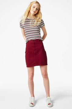 <p>This classic miniskirt shape gets a refresh in a can't miss colour. Made of 100% cotton.</p> <p>colour: <em>Red wine</em></p> <p>In a size38