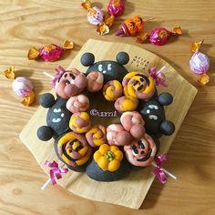 disney inspired halloween buns wreath