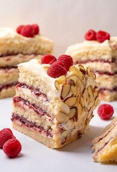 Cake Recipes, Dessert Recipes, Sweet Recipes, Raspberry Filling, Raspberry Recipes, Almond Recipes, Thing 1, Round Cake Pans, Almond Cakes